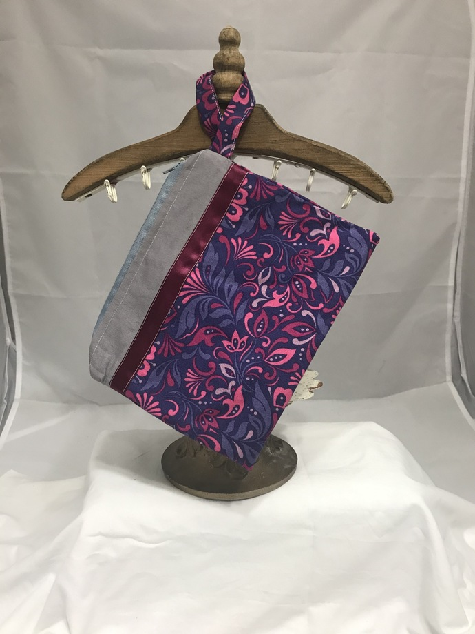 Purple and Pink Leaves Fully-Lines Zippered Bag