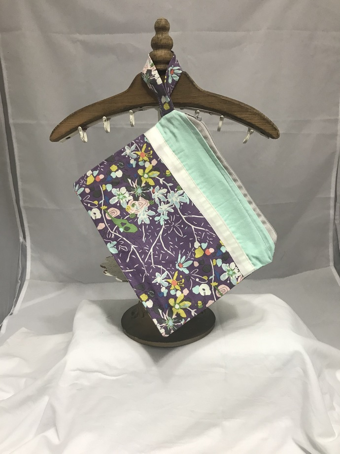 Floral Fully-Lined Zippered Bag
