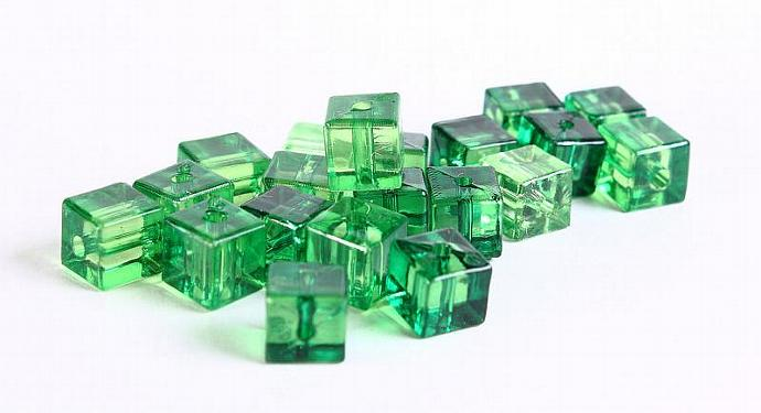 Green kelly emerald transparent cube resin beads Shades of greens 7mm 20pc (369)