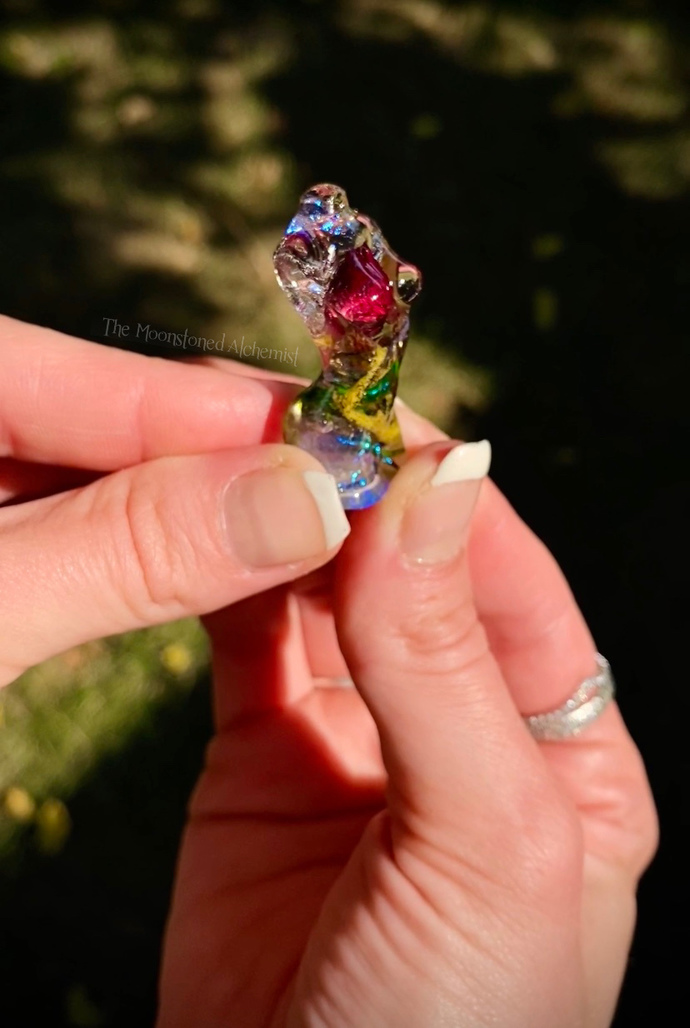 Mini Botanical Babe with Light Amethyst