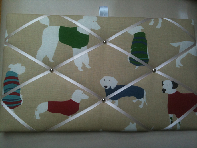 Pin Board/Notice Board/Memo Board/Dogs in Sweaters