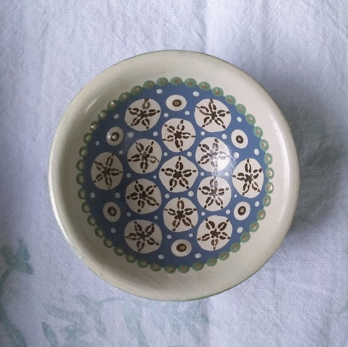 "Hand painted 2.5"" mini bowl-Sand dollar Pattern"