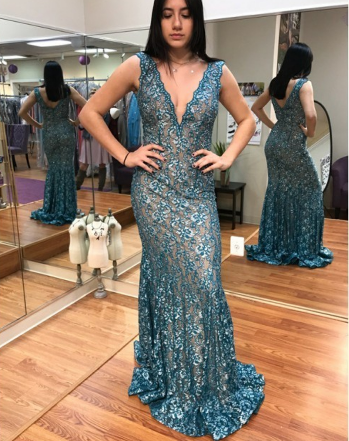 Mermaid V-neck  Sweep Train Prom Dress with Appliques