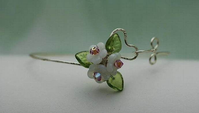 Wirework Heart with Opal White Glass Bouquet Flower bangle  bracelet