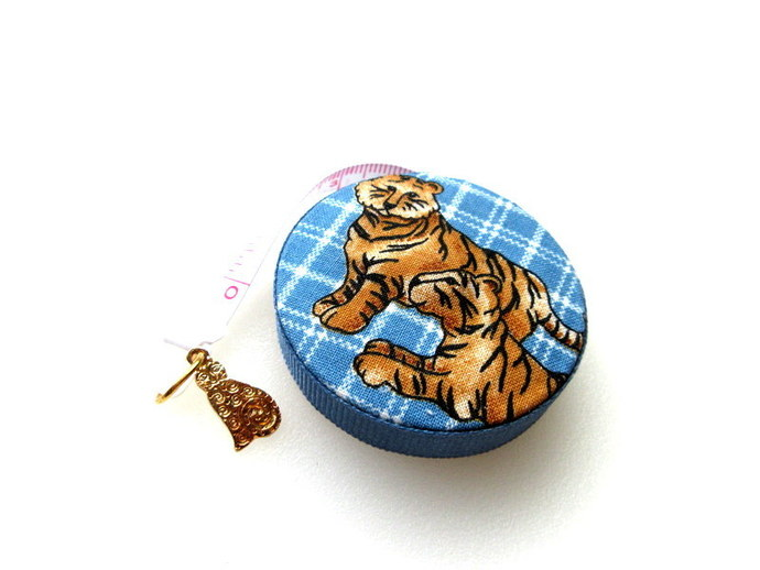 Tigers and Lions Small Tape Measure Retractable Measuring Tape