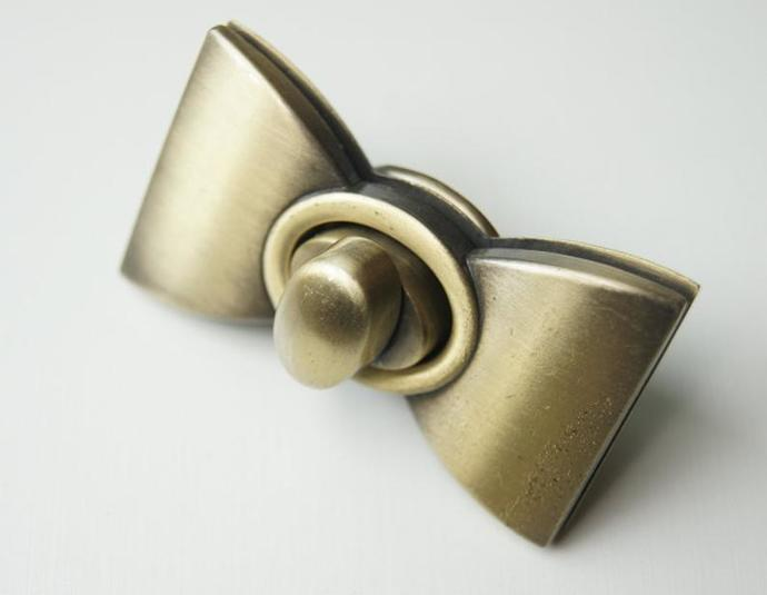 1pcs 2.5 inch anti brass bowtie twist-locks Purse locks bag locks