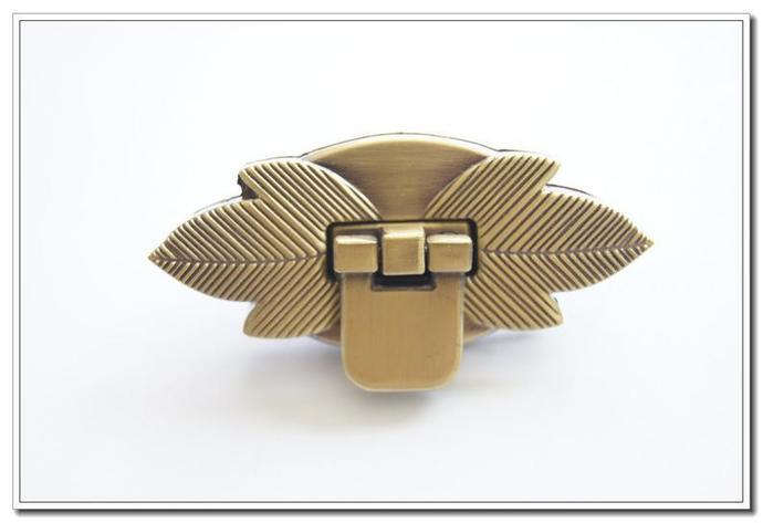 1 pcs 2.5 inch anti brass leaf twist-locks Purse Flip Locks purse locks silver