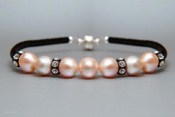 Light Pink Freshwater Pearls Bracelet Swarovski Crystal Black Suede Rose