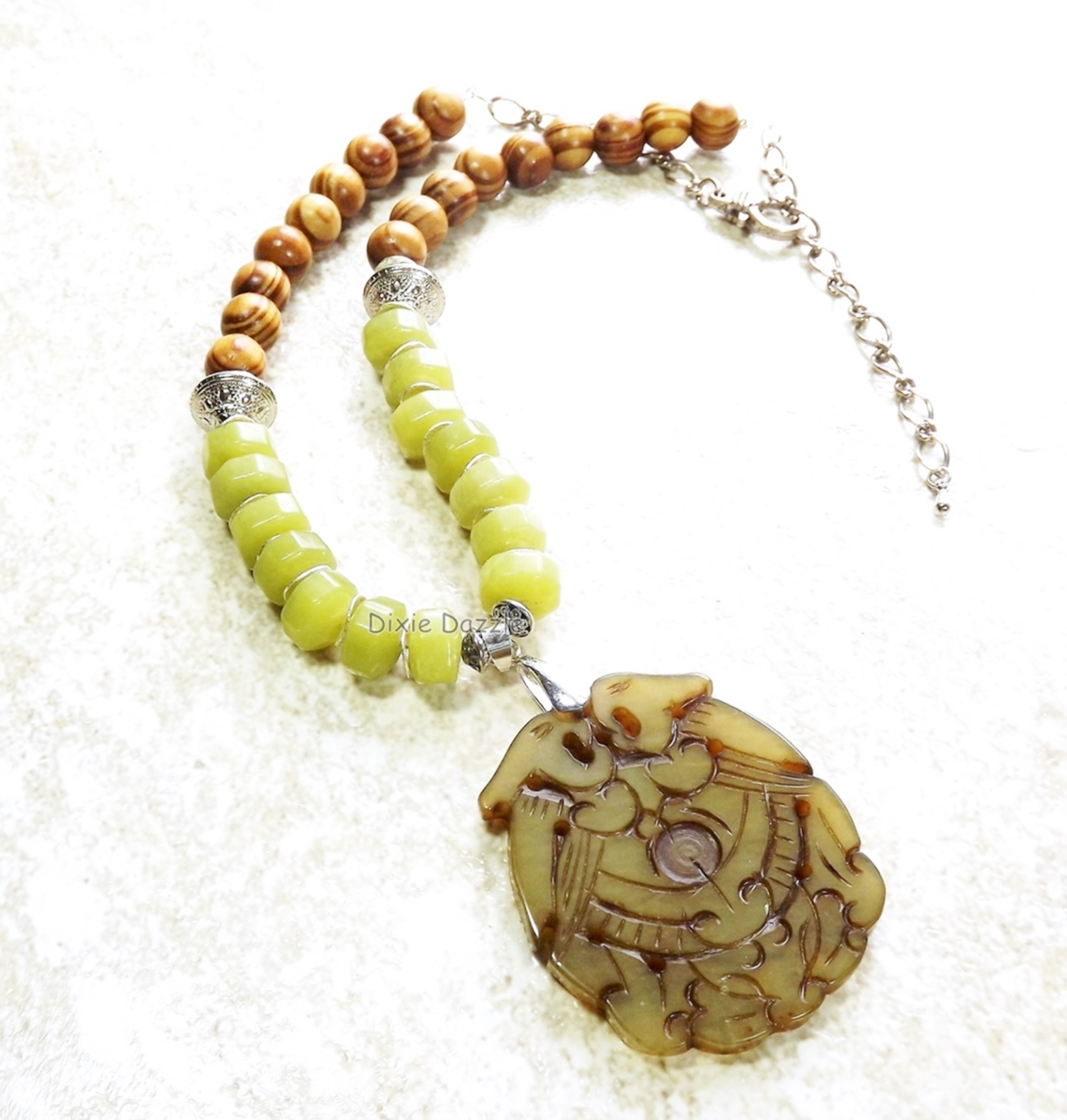 Oriental theme carved green jade pendant with lemon jade beads and wooden beads,