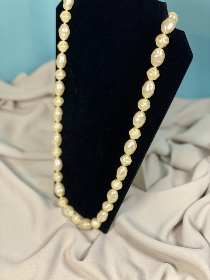 Large Pearl Shell Necklace