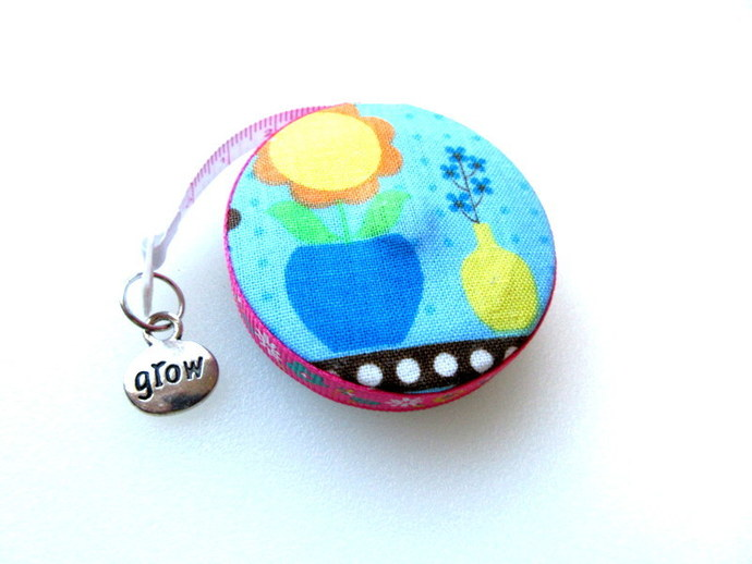 Tape Measure Whimsical Flowers and Vases Small Retrctable Measuring Tape
