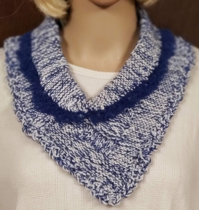 Hand Knit Cowl Blue White