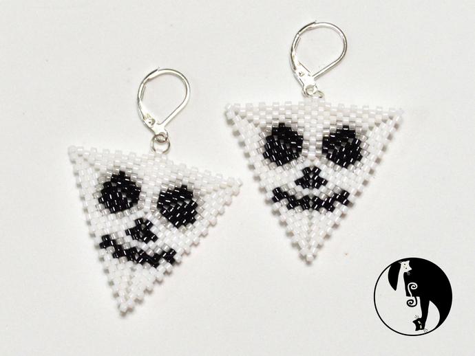 Halloween Skeleton Triangle Tutorial - Peyote Triangle