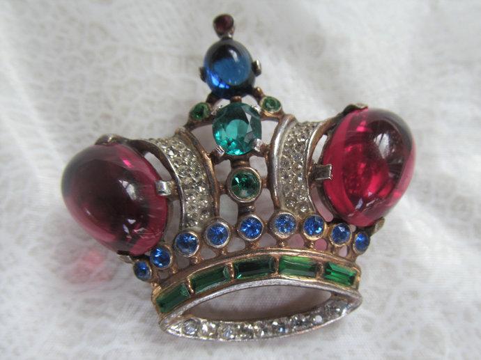 TRIFARI signed vermeil Regal Crown Brooch by Alfred Philippe pat 1944