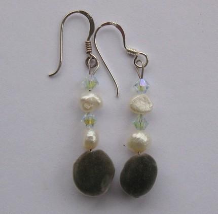 Handmade sterling silver earrings: Hawaiian mgambo seeds, fresh water pearls and