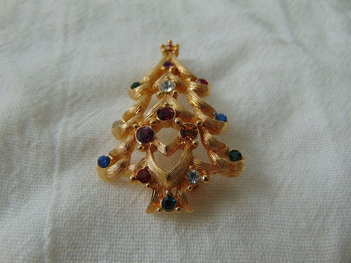 vintage Monet signed colored crystals christmas tree brooch