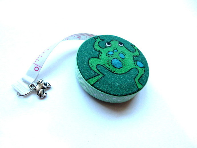 Measuring Tape Very Green Frogs Small Retractable Tape Measure