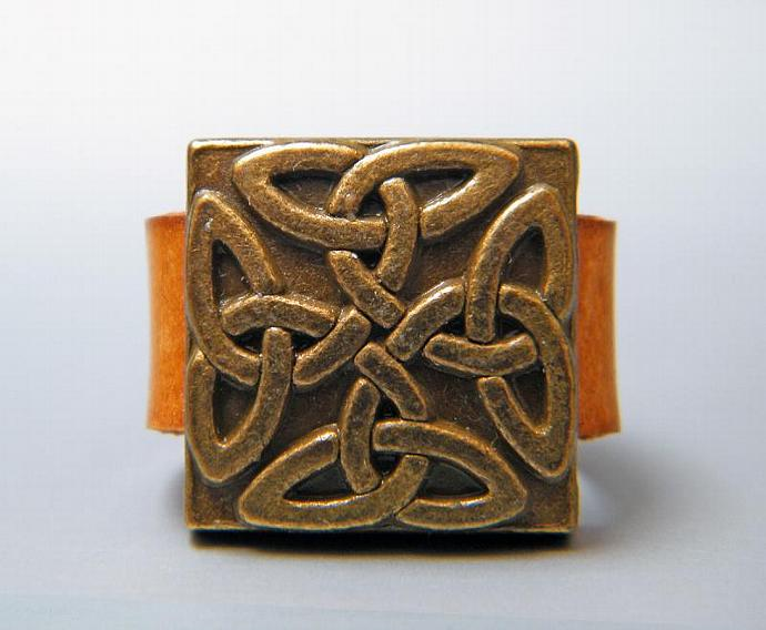 Celtic Golden Ring Camel Brown Leather Gold Plated