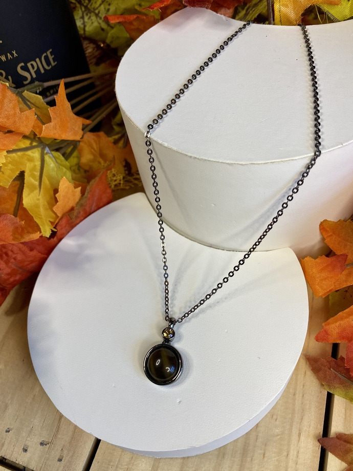 Small Brown Pendant Necklace