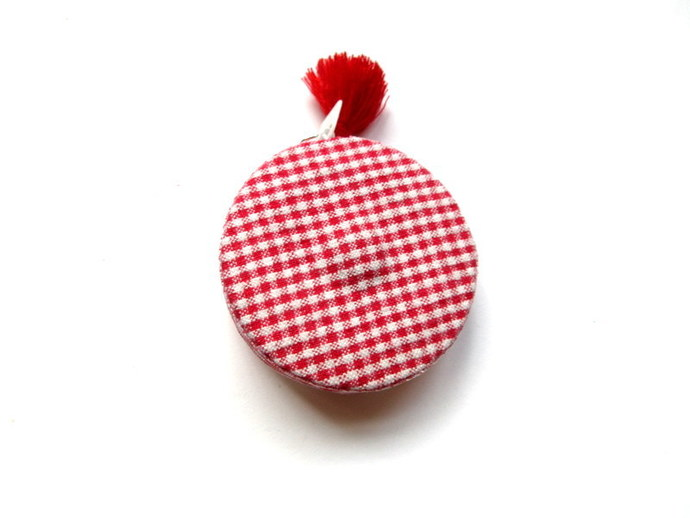 Tape Measure in Red Gingham Small Retractable Tape Measure
