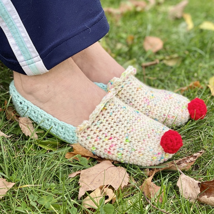 Cupcake Slippers for Kids & Adults Crochet Pattern - PATTERN ONLY