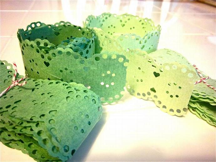 Pretty Vintage Paper Lace  - 6 yards - Mint Green and Kelly Green