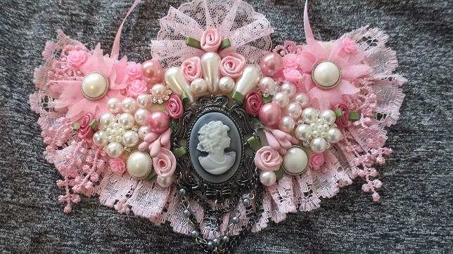 Gorgeous Shabby Chic Bib Necklace