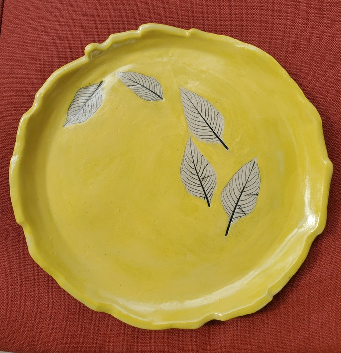 """Hand painted yellow """"leaf"""" footed platter 11 3/8"""" diameter"""