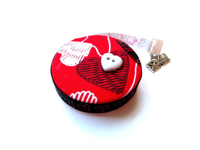 Measuring Tape Knitted  Hearts Small Retractable Tape Measure