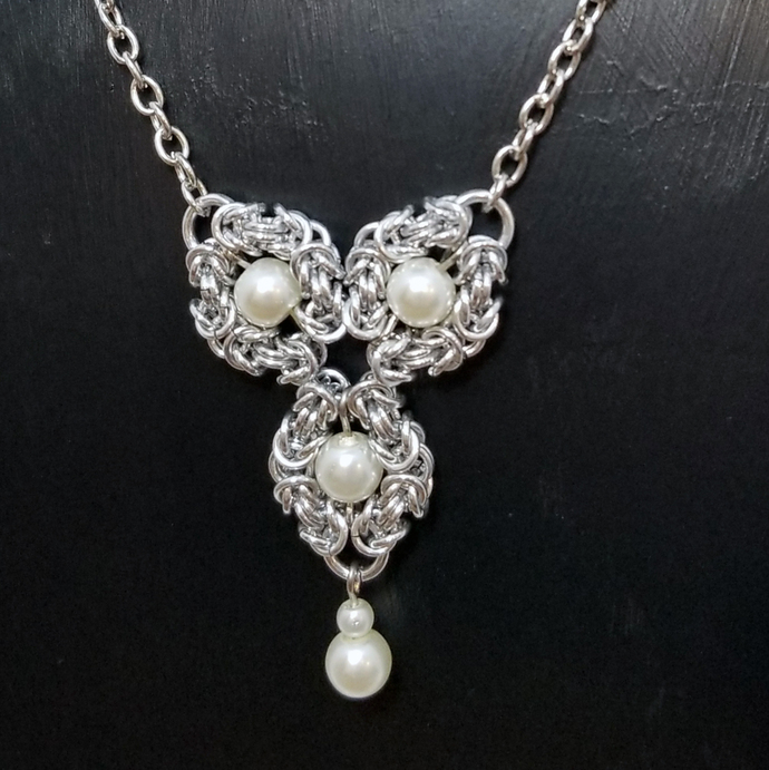 Romanov beaded necklace, chainmaille pendant for her