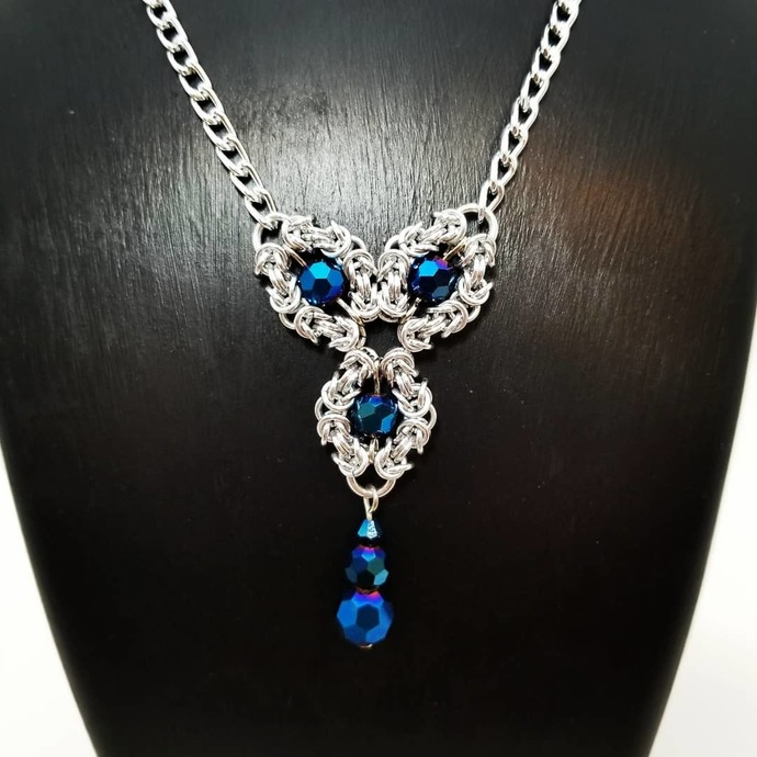 Chainmaille necklace, Romanov weave, beaded pendant for her
