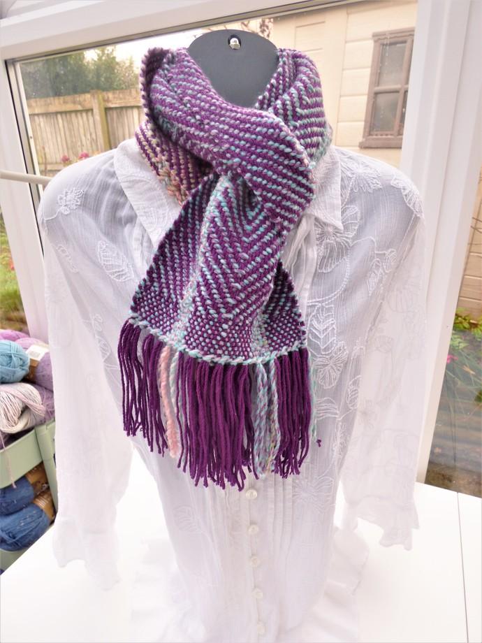 Hand Woven Scarf – Acrylic – Twill Weave HW40