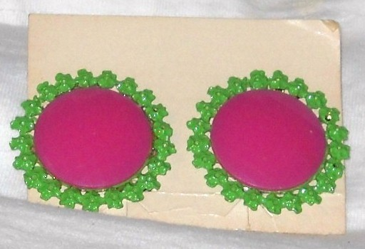 Vintage - Pink and Green Round Earrings 1960