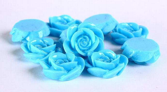 10 pcs Baby blue lucite rose rosebud cabochon 18mm (370)
