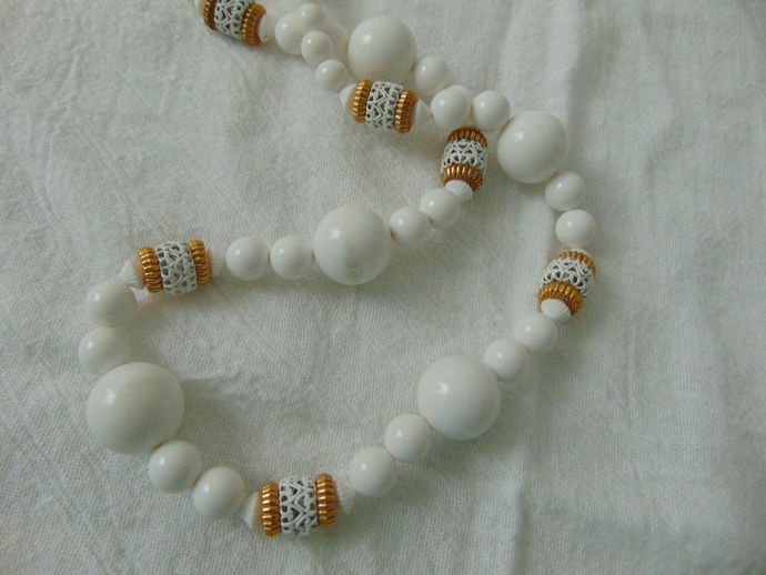 vintage white gold plastic beads metal filigree spacers necklace retro