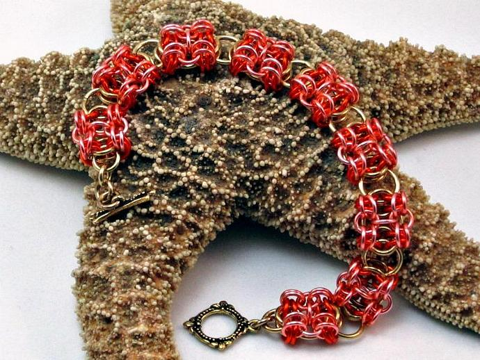 Shadow Boxes Chainmaille Bracelet