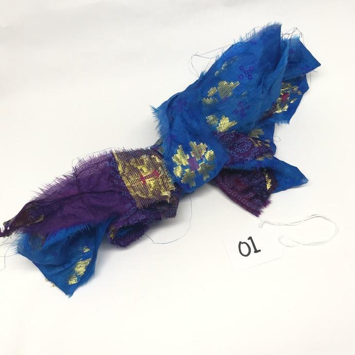 (O4) 5 Yds SEAMLESS Vintage Silk Sari Ribbon AZURE BLUE with GOLD 5 Yard