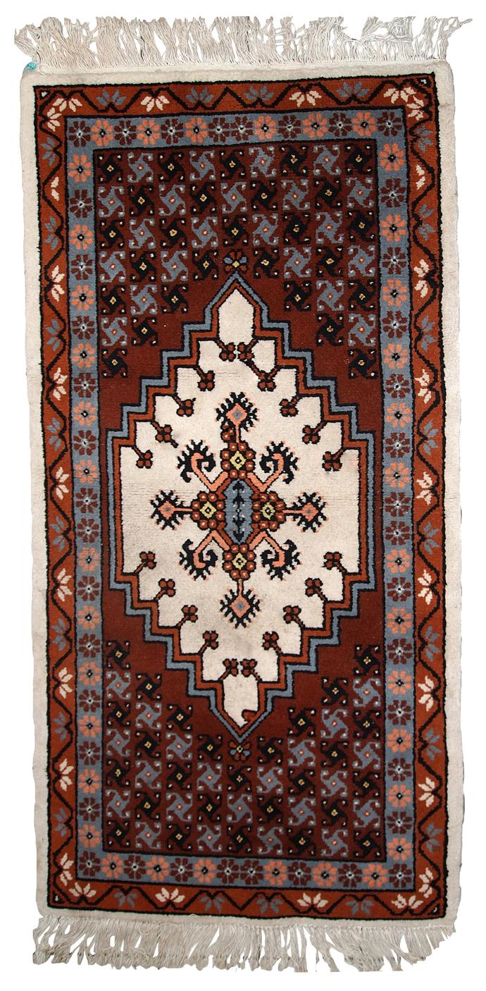 Handmade vintage Moroccan Berber rug 2.6' x 5.6' (81cm x 170cm) 1970s - 1C629