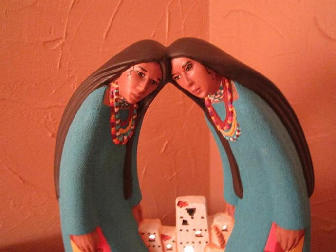 E-LNT-16 - SISTERS OF THE PUEBLO
