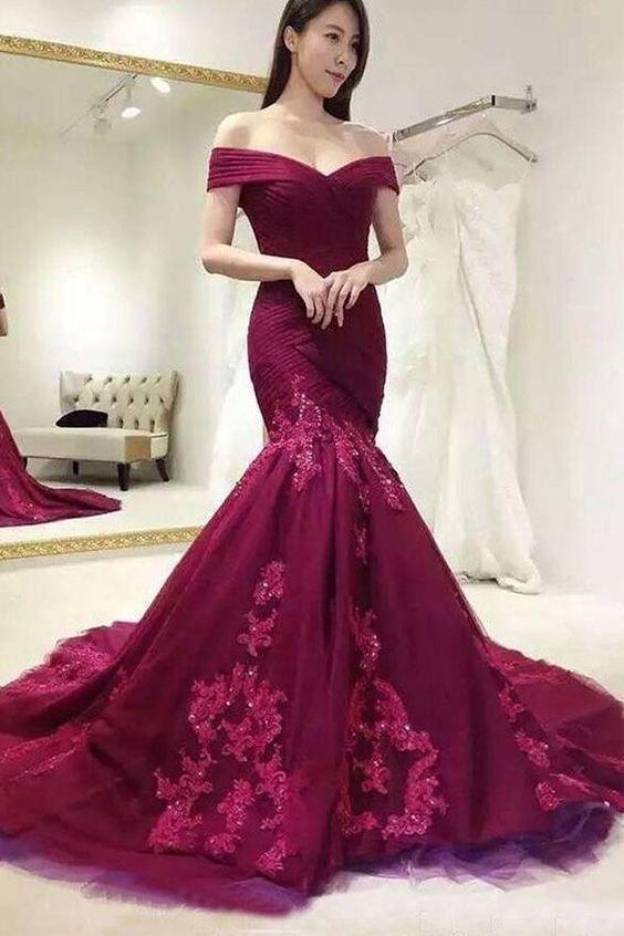 Chic Mermaid Burgundy Ruffles Lace Appliques Long Prom Dresses M8638