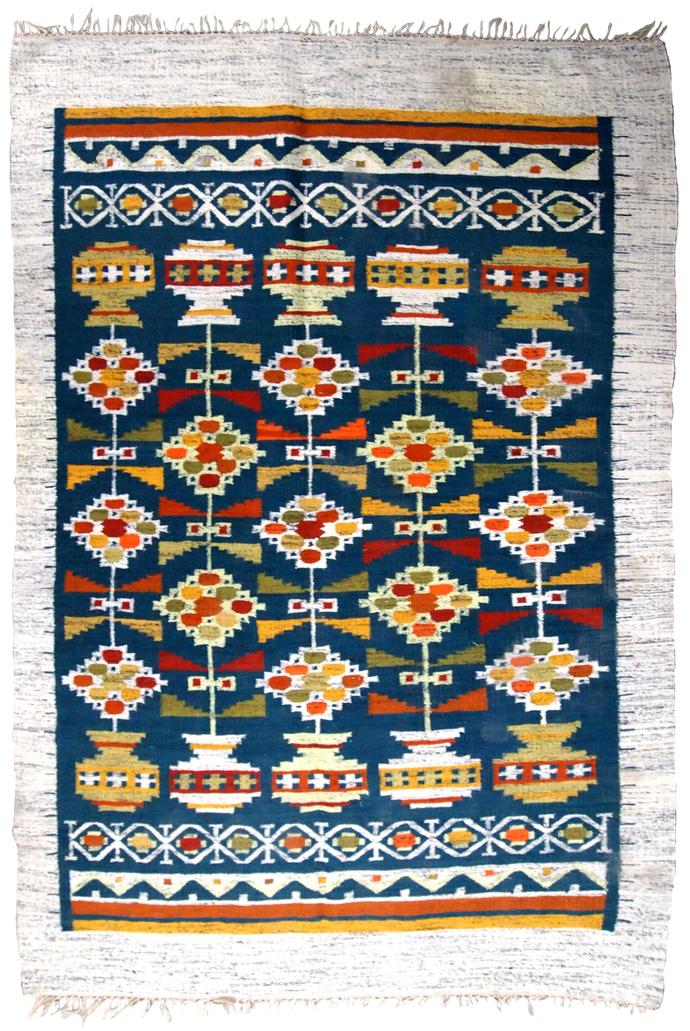 Handmade vintage Scandinavian flat-weave kilim 5.5' x 7.8' ( 167cm x 237cm )