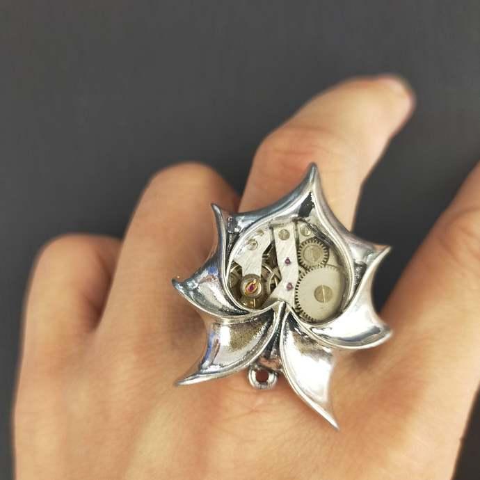 Handmade Original design head heart-shaped bat wing Steampunk rings movement