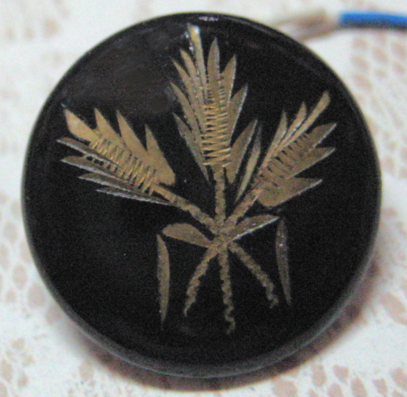 Antique Japanned Lacquered Wheat Button Small Size 11/16 inch