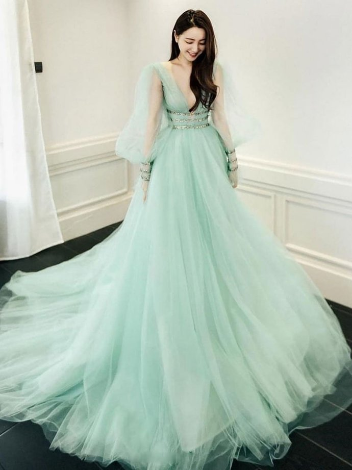 Light Green Tulle Long Sleeves Ball Gown Long Formal Dress, Green Party Dress