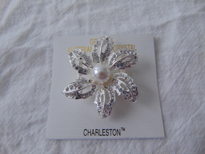 vintage Austrian crystals pearl silver plated flower pin nos