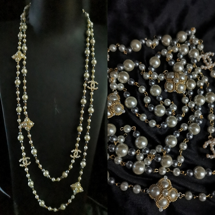 Long pearl CC necklace with clover links