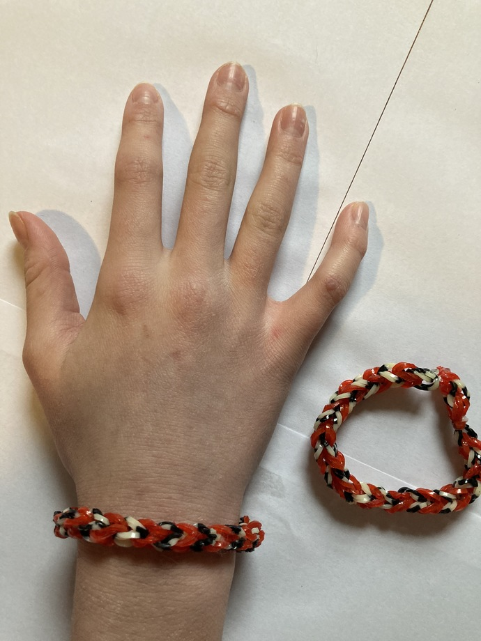 Medium Red loom bracelet
