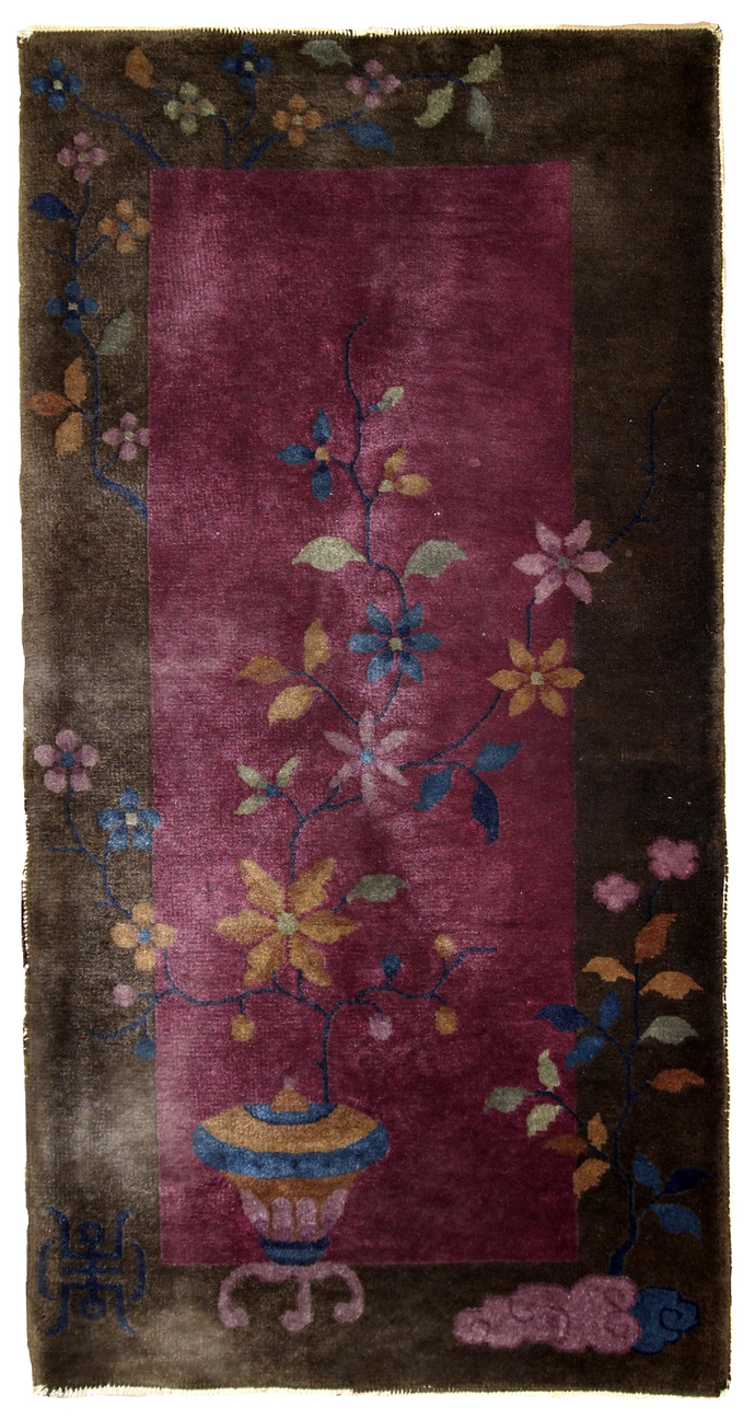 Handmade antique Art Deco Chinese rug 1.10' x 3.10' (59cm x 120cm) 1920s - 1B607