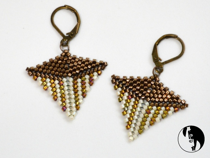 The Kite - a new Peyote stitch shape tutorial; also included Kite Earrings