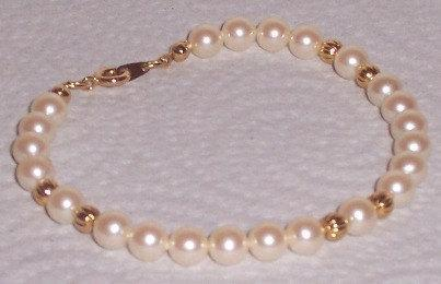Beautiful Pearl Interlaced with Goldwash Beads Bracelet